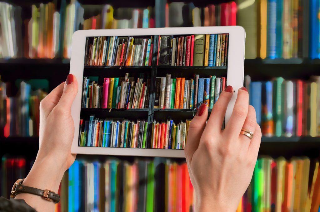 bibliothèque papier ou numérique ?